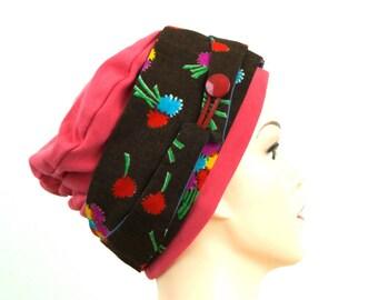 Bonnet jersey rose saumon, foulard marron imprimé. pièce unique