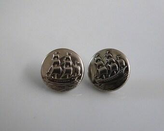 Metal Sailship Buttons, Sailing Boat, Antique Sailing Boat, Vintage Buttons, Nautical Buttons