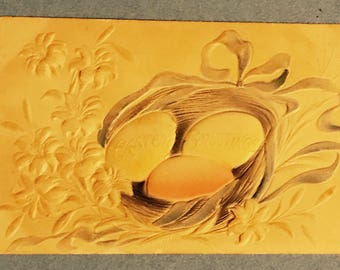 Antique 1900s Easter Postcard, Three Colored Eggs In Nest, Easter Greetings, Bas Relief, Beautiful Old Postcard