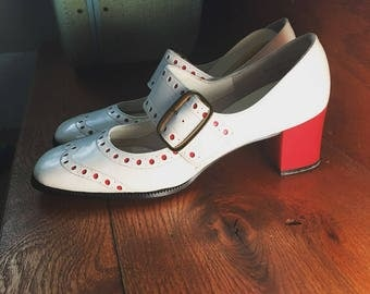 Vintage 1960's MOD RED & White PoLKA DoT WING TiP RoCKABILLY Swing OxFORD Buckle Spectator Shoes ORiGINAL BoX