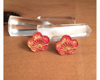 Hand painted brass Art Deco red flower titanium post earrings. Brass flower earrings. Flower titanium post earrings. Flower post earrings.