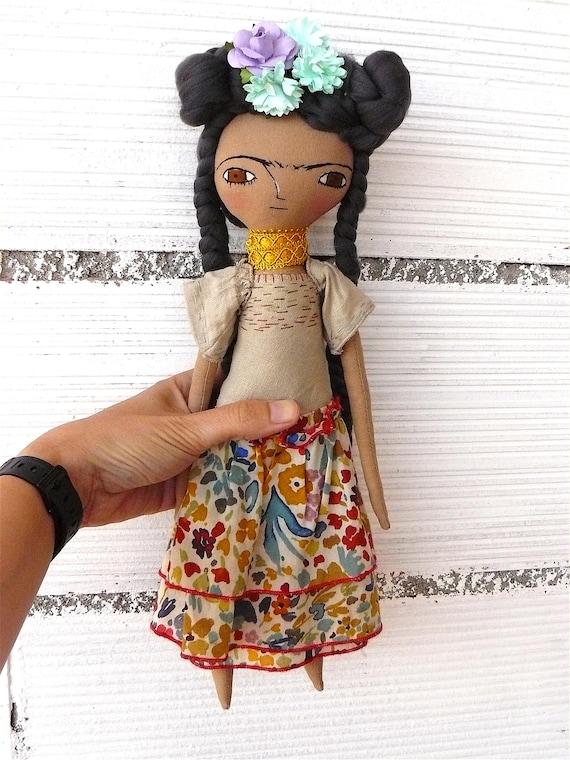 Frida Kahlo rag doll. 13 inches. Frida nº 19 2017 series. Bamboo hair