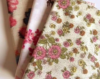 Vintage Fat Quarter Bundle  * PRETTY * pinks and florals retro 50's 60's 70's sheets fabrics