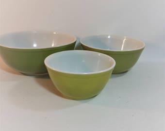 Vintage Pyrex Verde Green Bowls, 3 Piece Set, #404, #403. #402
