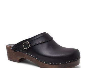 Swedish Clogs For Men / Leather Shoes / Handmade Slip In Mules / Black Leather Clogs / Wooden Clogs / Gift for Men / Sandgrens / Nybro
