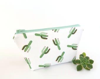 Makeup bag, Cactus makeup bag, Cactus zipper pouch, Bridesmaid gift, Cute makeup bag, Cactus pouch, Cactus gift, Make up bag, Makeup storage