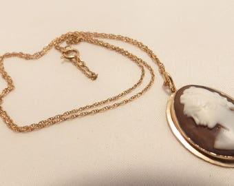 14K Yellow Gold Vintage Cameo Pendant and Necklace