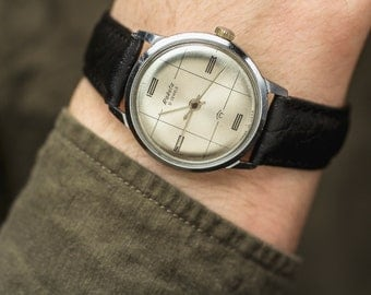 Vintage watch Raketa / Rocket  – leather watch men – minimalist mechanical watch man – gift for him – unique men's retro watch 70s