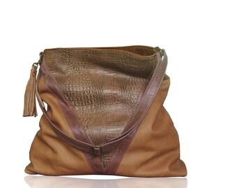 Tan Leather hobo, soft leather, lined with pockets incl zipper, Strong adjustable hobo, embossed hornback leather bag, hobo, shoulder bag