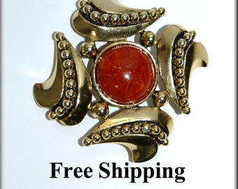 Dauplaise Vintage Faux Amber Gold Tone Brooch - Carol Dauplaise former Miriam Haskell designer