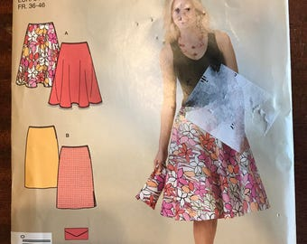 Simplicity 2906 - Easy to Sew A Line or Flared Skirt with Matching Clutch Purse - Size 8 10 12 14 16 18