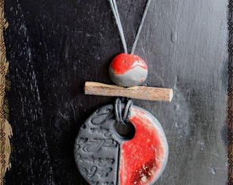 """Necklace raku zen, ethnic and natural red RAKU KOMAKAFURU """"The Art of the material"""""""