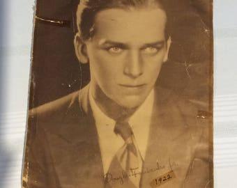 """Rare 14"""" x 11"""" Douglas Fairbanks Jr 1922 movie star Sepia Tone photograph facsimile signature"""