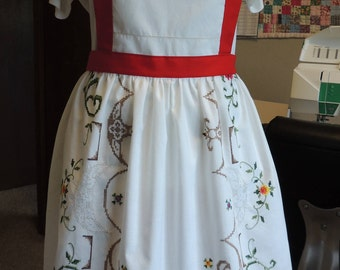 Gorgeous embroidered full apron with red accents