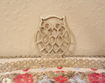 Vintage brass owl trivet.  Small brass owl trivet.  Retro owl hot pad.