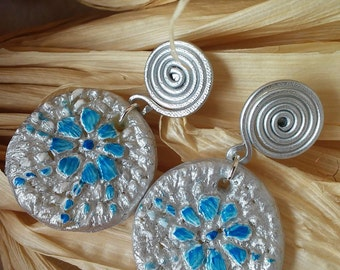 """Exclusive """"Artistic Mais Wire"""" Round earrings"""