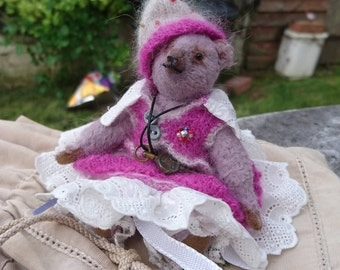 Ruby - Artist Bear, collectible bear, vintage toy