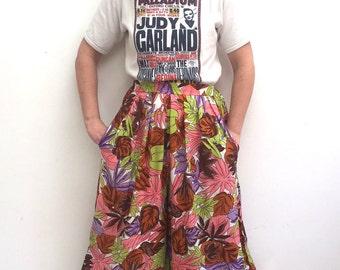 Vintage 90s tropical leaf print culotte shorts size 10