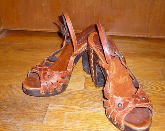 Strappy Leather with Wooden Heeled Sandals by BCBG MAXAZRIA Size 7.5B us / 37.5 eu