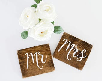 Mr and Mrs Sweetheart Table Signs, Mr and Mrs wedding signs, wooden table decorations, wooden sign boards, mr and mrs signs, sweethearts