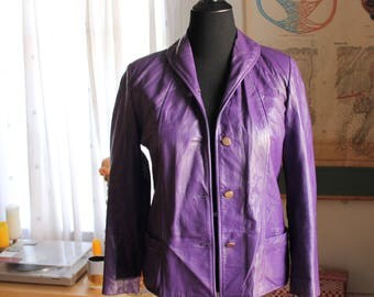 "womens vintage leather jacket - 1960s early 70s purple leather jacket . womens volup size medium large 42"" bust 40"" hip"