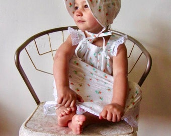 Sweet and Simple Spring Summer Lightweight Floral Dress and Bonnet Set Size 2T-4T