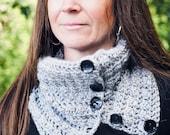 Easy Cowl Crochet Pattern...