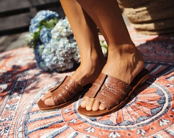 DOLCE VITA. Brown leather shoes / leather slides / leather sandals / slide shoes / boho. Sizes 35-43. Available in different leather colors