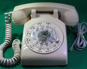 Vintage Tan Beige ITT desk top rotary dial phone