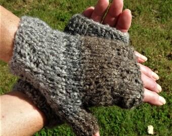 Fingerless Gloves Ladies' Bulky Hand Knit Gray Brown Acrylic, Wool, Polyester Fingerless Gloves Hand Warmers Bulky Knit Fingerless Gloves