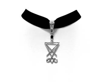 necklace choker velvet sigil seal lucifer silver gothic occult esoteric satan satanic pagan witch witchcraft witchy dark