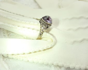 Amethyst Ring Sterling Silver /Vintage/Handmade/Free Shipping US/February Birthstone/Birthday/Christmas/Valentines/Anniversary/Mother gift