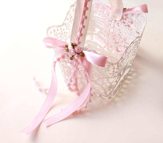 "Lace flower girl basket, Pink petal toss basket, lace basket, Simple flower girl bag, Stiffened crochet, white lace and pink basket - 4"""