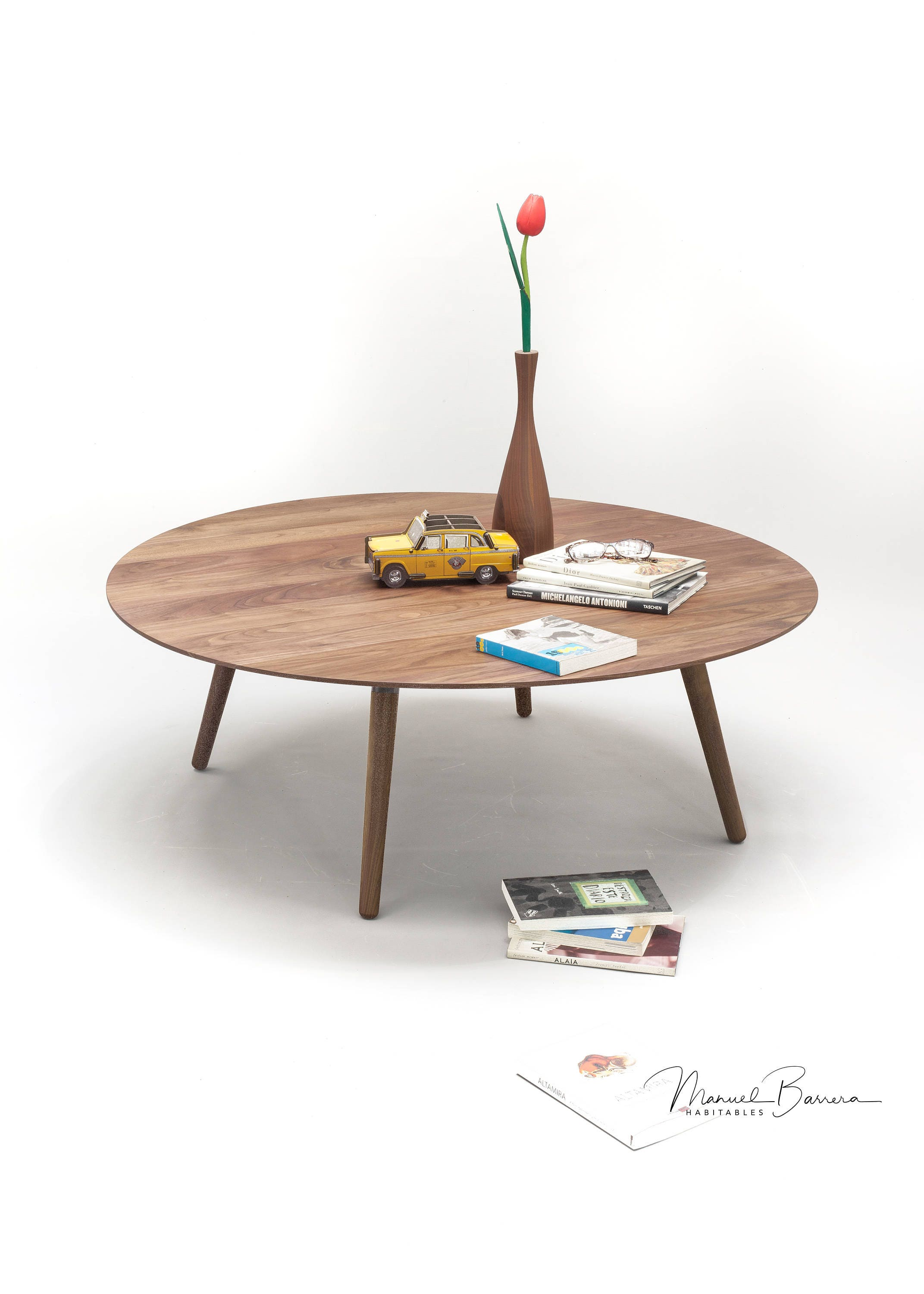 Coffee table round table side table made of solid Walnut board