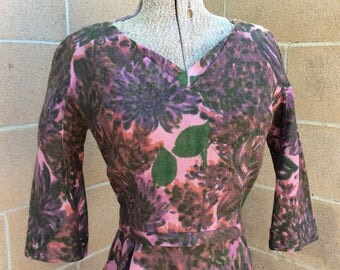 1950s Dusty Lilac Floral Fitted Wiggle Dress Medium/Small 28 Waist