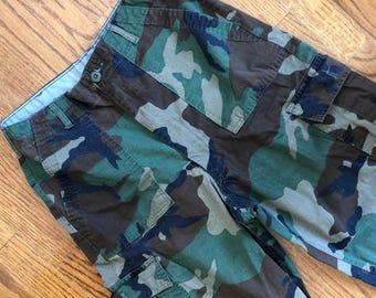 Classic Highwaisted Camo Pants