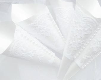 100 Confetti Cones, White Cones, Confetti for weddings, Wedding petal cones, The Chirpy Blackbird