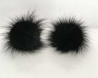Black  Mink pompom clips, a pair of mink pompoms suitable to clip them in shoes, shirts and more.
