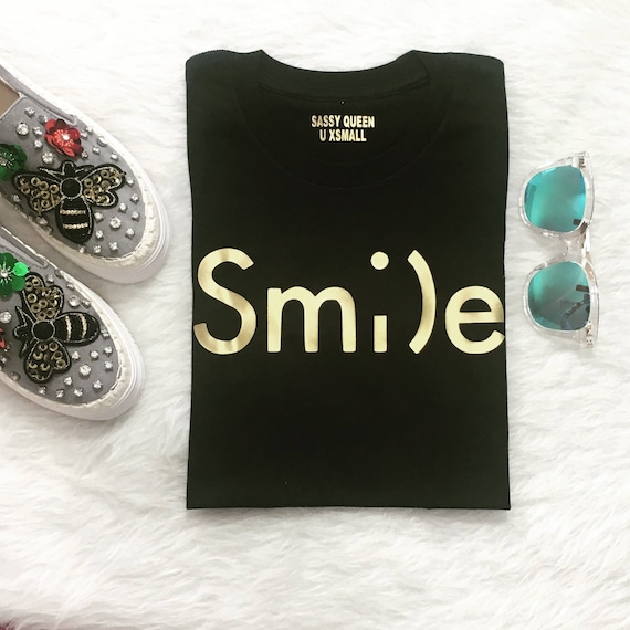 Smile / sm;)e  / Statement Tee / Graphic Tee / Statement Tshirt / Graphic Tshirt / T-shirt