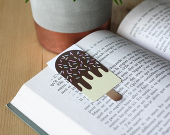 Cream / / 1 magnetic bookmark