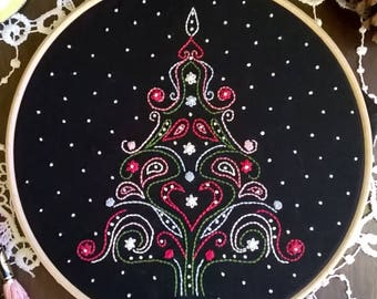 Embroidery kit - Embroidery pattern - embroidery hoop art - christmas tree - embroidery kit beginner