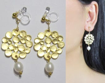 Matte Gold White Freshwater Pearl Bridal Clip-On Earrings |36i| Modern Dangle Clip Earrings, Non Pierced Invisible Long Clip-ons Earrings