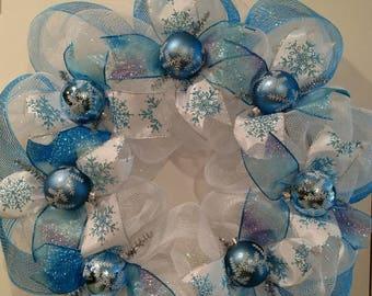 "A ""Frozen"" Christmas Wreath"