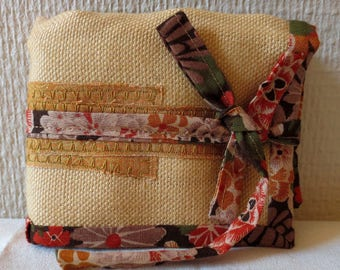 Pouch taupe essential oils
