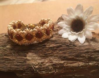 Daisy Bracelet Wrist Cuff Wrist band Armband cream and gold