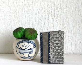 Taupe collection Asanoha card holder