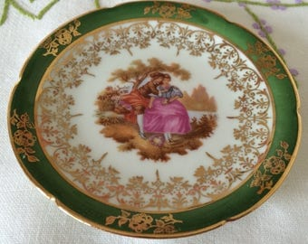 "La Reine, Limoges Fragonard Courting Couple Pin Dish/Coaster/ Collectors Plate. Made in France. Measures  3 3/4""  Diameter"