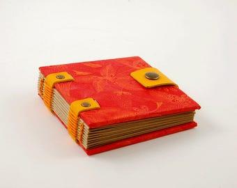 Petit carnet de sac à mains, journal, carnet de wishlist, carnet rouge fermeture pression, grimoire, carnet carré, petit carnet de notes