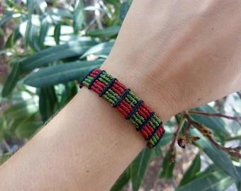 Macrame bracelet red & green - Adjustable