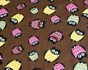"""Owls"" brown background print fabric"